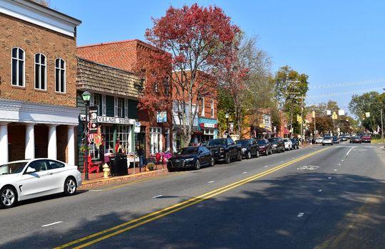 3211 Maple Way Drive Downtown Davidson Main Street