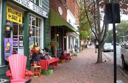 3211 Maple Way Drive Downtown Davidson Village Store