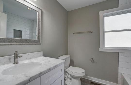 2801 Cowles Road, Charlotte, NC 28208 bathroom2-1