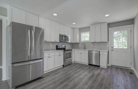 2801 Cowles Road, Charlotte, NC 28208 kitchen1