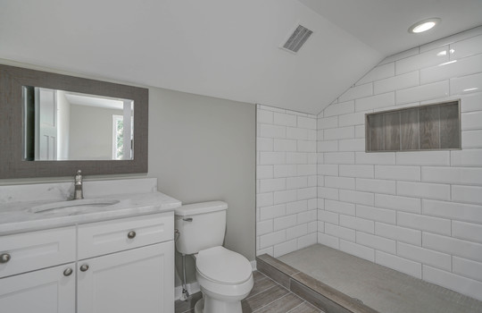 2801 Cowles Road, Charlotte, NC 28208 master bathroom1