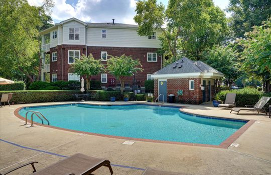921 Northeast Dr 26 Pool