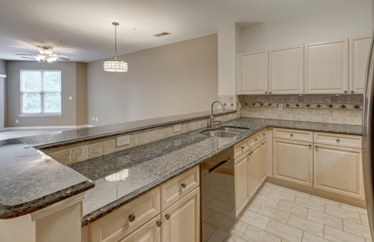 921 Northeast Dr 26 kitchen2