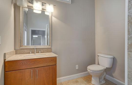 2123 Davis Road apartment bath2-2
