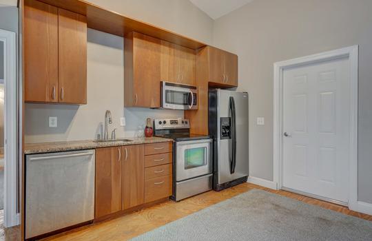 2123 Davis Road apartment kitchen-2