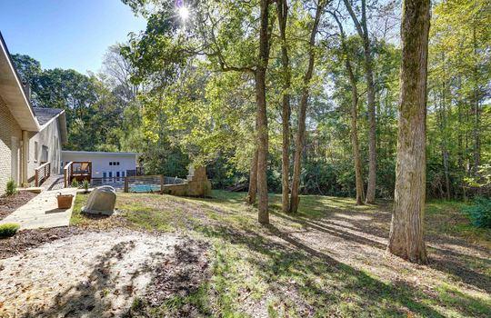2123 Davis Road backyard-2