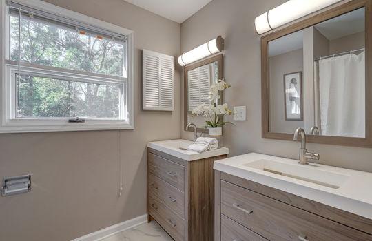 2123 Davis Road bathroom2-2-2
