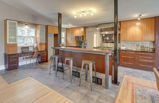 2123 Davis Road kitchen1-2