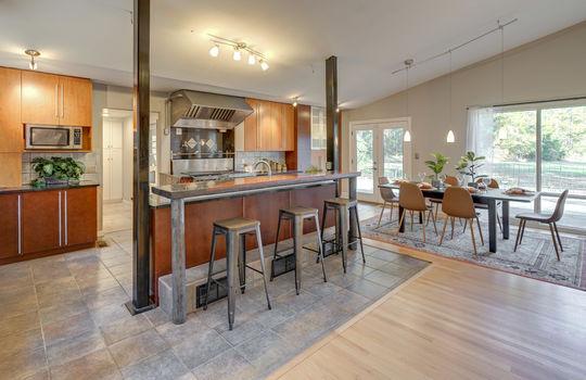 2123 Davis Road kitchen6-2