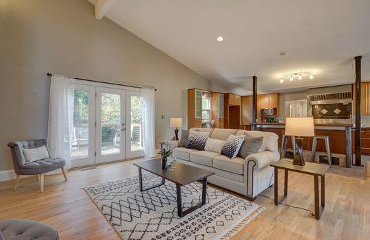 2123 Davis Road living room 1A