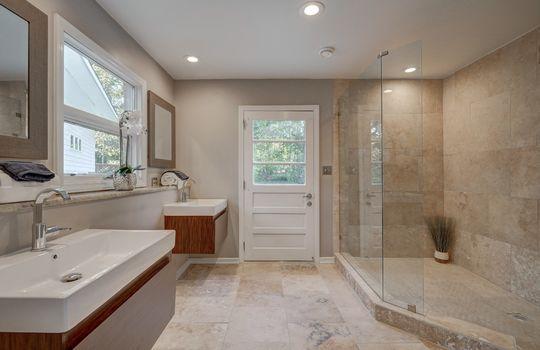 2123 Davis Road lower master bath1-2