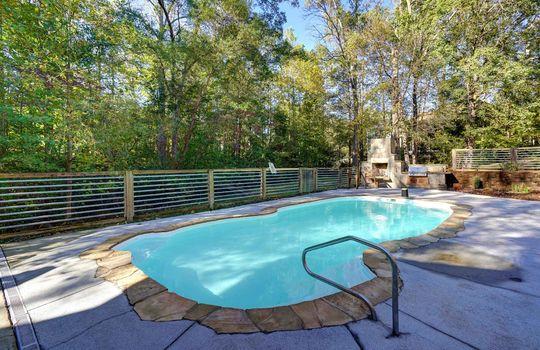 2123 Davis Road pool1-2