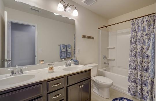 135 Mackinac Drive Mooresville NC 28117 Bathroom 2