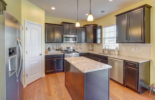 135 Mackinac Drive Mooresville NC 28117 kitchen1