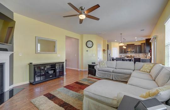 135 Mackinac Drive Mooresville NC 28117 living room3