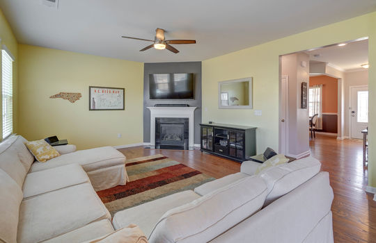 135 Mackinac Drive Mooresville NC 28117 living room4