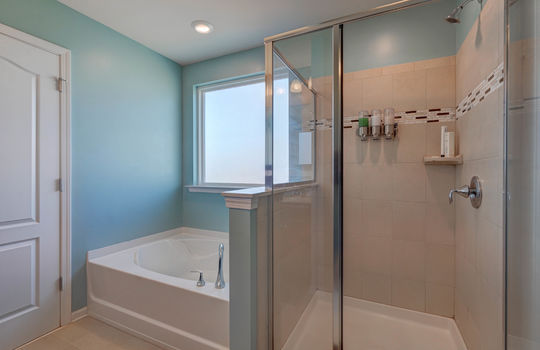 135 Mackinac Drive Mooresville NC 28117 master bath3