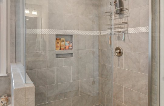 Master Bath Shower - 134 Longleaf Dr Mooresville NC - 28117 Allen Adams Realty