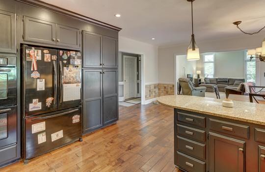9025 Pennyhill Dr Huntersville NC 28078 - Bill Adams Realtor - Allen Adams Realty - kitchen4
