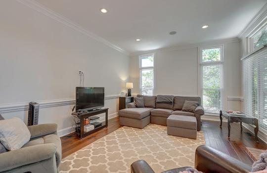 9025 Pennyhill Dr Huntersville NC 28078 - Bill Adams Realtor - Allen Adams Realty - living room2