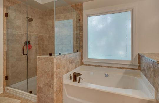 9025 Pennyhill Dr Huntersville NC 28078 - Bill Adams Realtor - Allen Adams Realty - master bath3