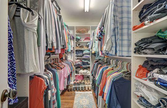 9025 Pennyhill Dr Huntersville NC 28078 - Bill Adams Realtor - Allen Adams Realty - master closet