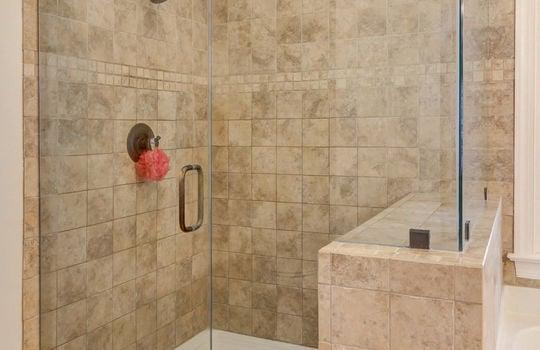master bath 9025 Pennyhill Dr Huntersville NC 28078 - Bill Adams Realtor - Allen Adams Realty - shower