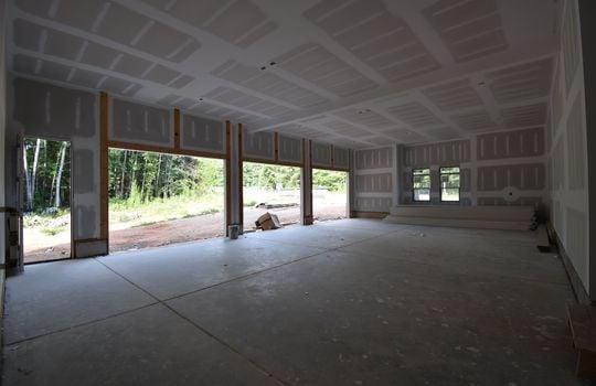 Garage - 3211 Maple Way Drive Davidson NC 28036 - Bill Adams Realtor - Allen Adams Realty - Maple Grove