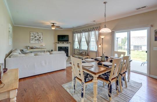 07 – living room – 110 Wrangell Dr Mooresville NC 28117 – Bill Adams – Realtor – Allen Adams Realty