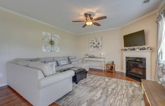 09 – living room – 110 Wrangell Dr Mooresville NC 28117 – Bill Adams – Realtor – Allen Adams Realty