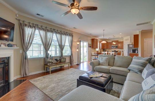 12 – living room – 110 Wrangell Dr Mooresville NC 28117 – Bill Adams – Realtor – Allen Adams Realty