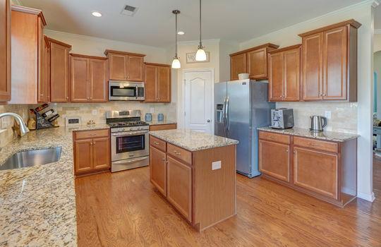 15 – kitchen – 110 Wrangell Dr Mooresville NC 28117 – Bill Adams – Realtor – Allen Adams Realty