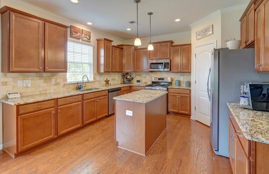 16 – kitchen – 110 Wrangell Dr Mooresville NC 28117 – Bill Adams – Realtor – Allen Adams Realty