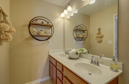 35 – bathroom2 – 110 Wrangell Dr Mooresville NC 28117 – Bill Adams – Realtor – Allen Adams Realty