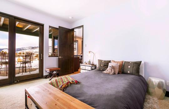 023 1800 Beard Creek Trail-print-016-33-Bedroom-4200×2796-300dpi