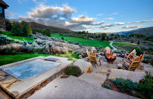 035 1800 Beard Creek Trail_Outdoor Living_Summer