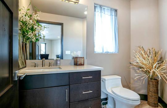 037 1800 Beard Creek Trail-print-040-35-Bathroom-4200×2800-300dpi