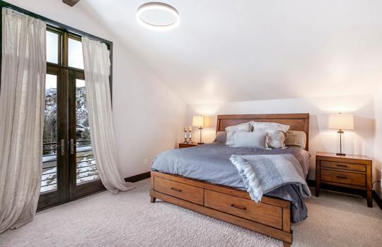 046 1800 Beard Creek Trail-print-022-40-Bedroom-4200×2800-300dpi copy