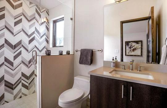 048 1800 Beard Creek Trail-print-043-6-Bathroom-4200×2800-300dpi copy