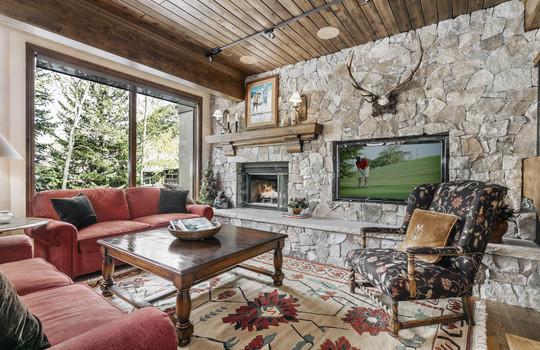 1592 Golf Terrace 57-005