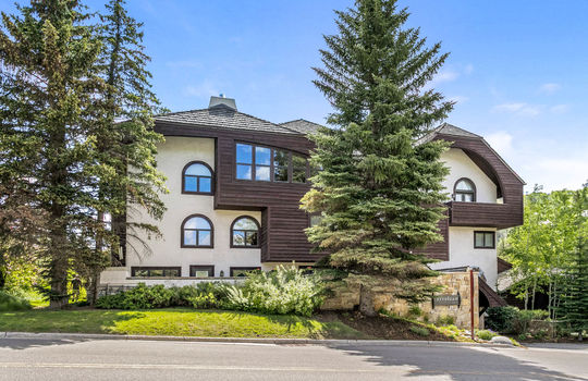033 400 Vail Valley Drive #2