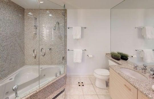 13 Tyrolean-Unit-2-Bathroom