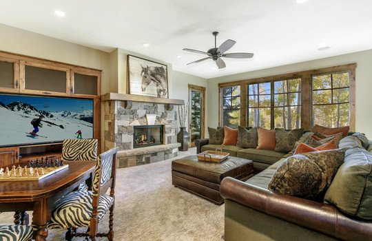 69 Martingale Ln-051 family room