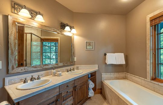 491-Forest-Trail-Website-and-MLS (15)