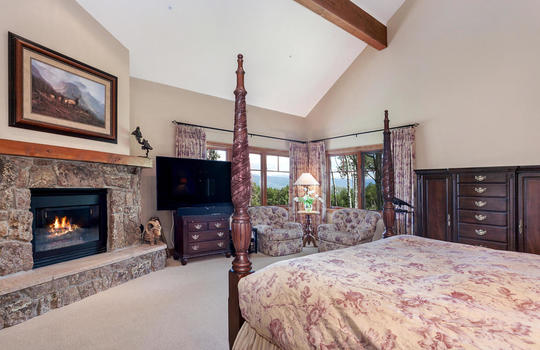 732-Forest-Trail-019-015-Master-Bedroom-MLS-Size