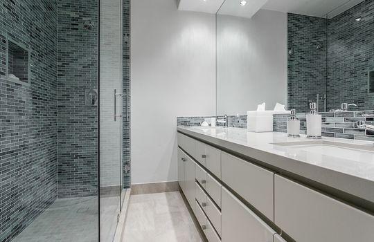 Bathroom_800x600_2028697