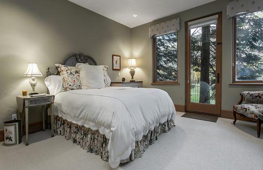 Bedroom-Five_800x600_2028698