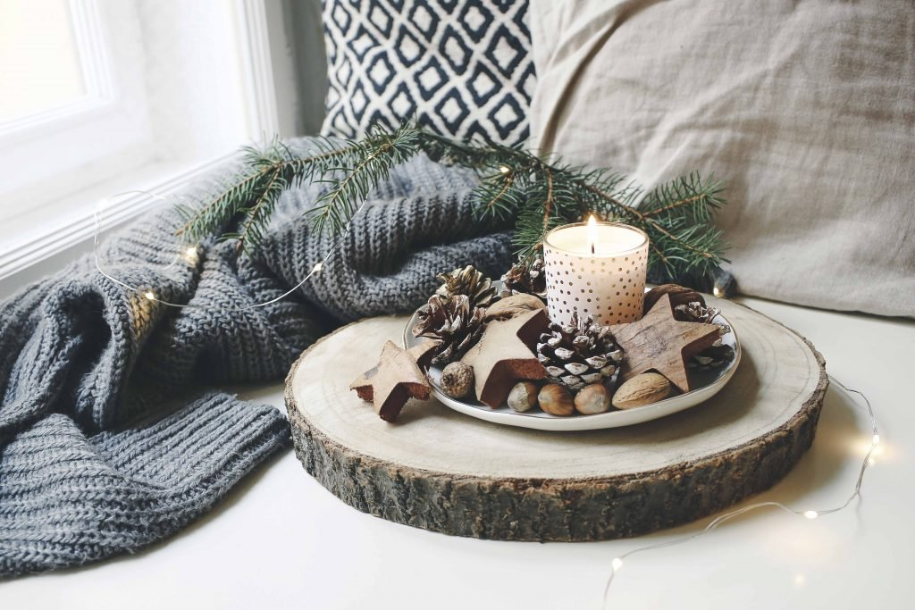 6 Minimalist Holiday Decoration Ideas