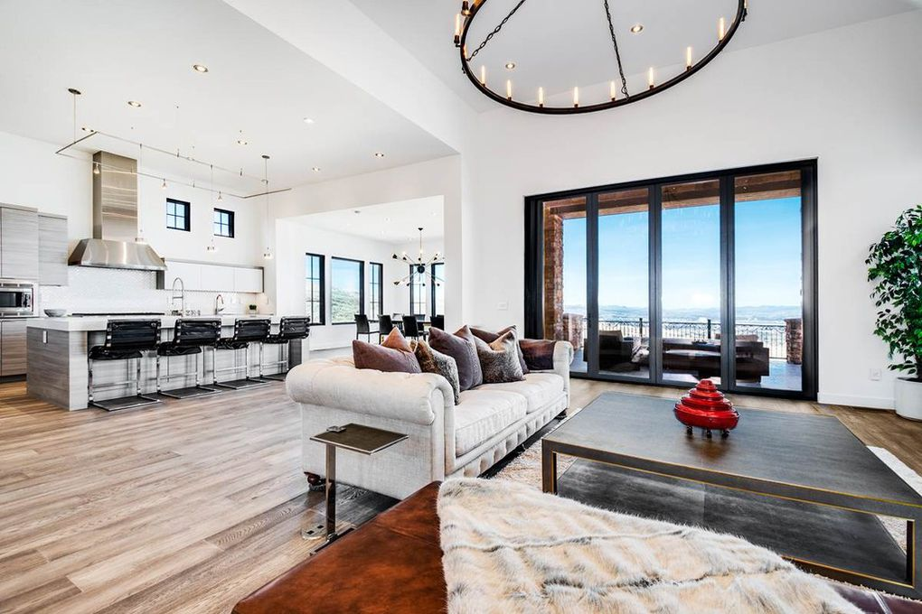 Luxury Reno Home sold by Chase International