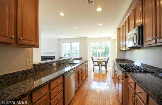 FX9660583 – Kitchen